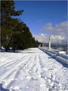 Сухумская набережная зимой